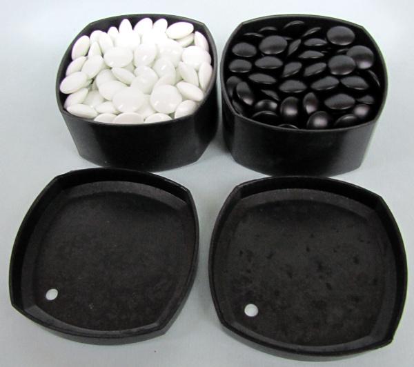 Skleněné kameny, 8 mm, 160+160, v plastových dózách
